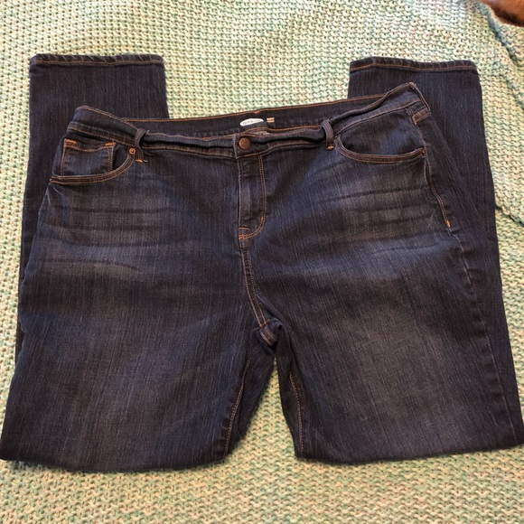 Old Navy Denim - Mid-Rise Curvy Straight Jeans